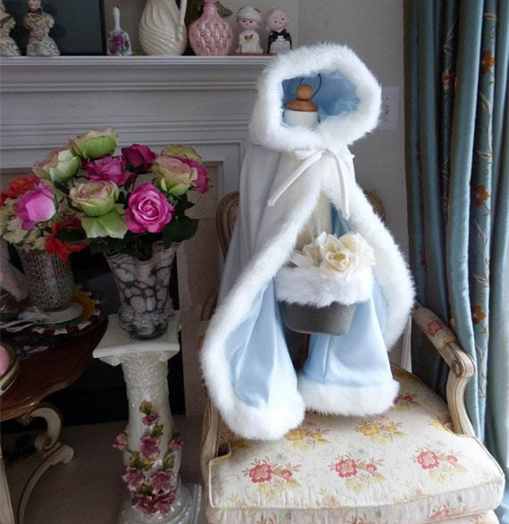 цена на Ice Blue Long Cape for Kids Hooded Wedding Cloak Faux Fur Jacket Winter Kid Children Outerwear/Coats White Ivory