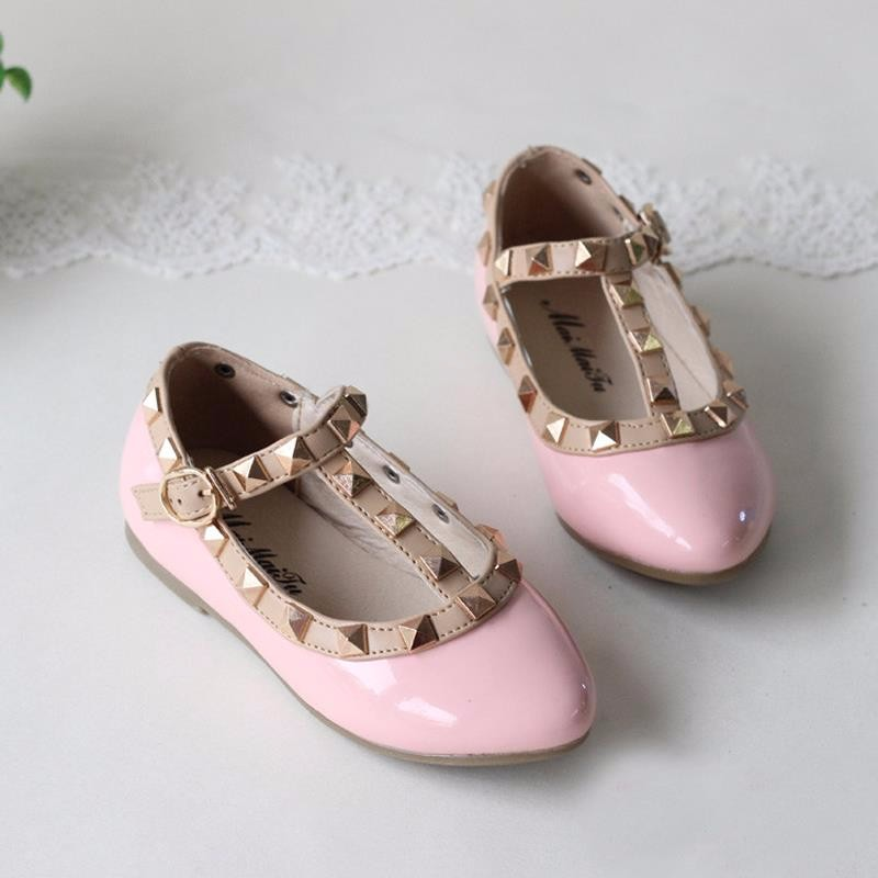 spring-and-summer-PU-leather-princess-shoes-female-child-sandals-cutout-child-single-shoes-breathable-rivet (1)