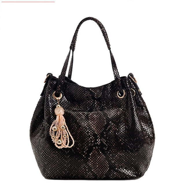 New Arrival Snakeskin Print Real Cow Leather Handbag Brand Tassel Bucket Women Bag Designer Top Tote Bags for Women Medium Size