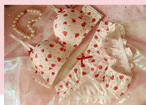 Image 4 - Милый женский бюстгальтер с принтом клубники и трусики в стиле Лолиты, комплект нижнего белья для японских девушек, бюстгальтер на косточках с пуш ап, комплект нижнего белья