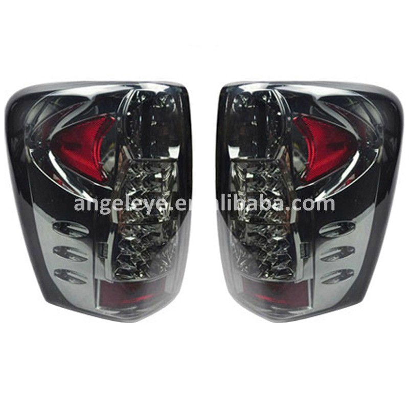 For Chrysler  Grand Cherokee 1999-2004 Year Tail Lamp Led Turning Light Smoke Black SN for lexus herrier kluger rx330 rx300 rx350 led rear light 2004 to 2009 year smoke color sn