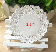 250pcs/lot 3.5'' 8.8cm White round paper pad Lace Doilies paper pad baking decoration baking package