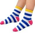 Invierno Suave Algodón de Los Niños Niñas niños Calcetines Patchwork Diseño de Patrón de Rayas Niños Calcetines Calcetines de Color Caramelo Bebé 2-12Y Azar