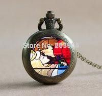 Movie 1 pz/lotto orologio da tasca al quarzo locket collane vintage bella addormentata bacio ciondolo medaglione collana della catena chiave steampunk uomini