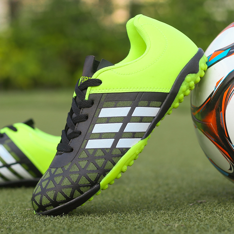 Size 31-43 Cheap Turf Boys Soccer Shoes Men Ankle Football Shoes Tf/fg/ag Spikes Training Football Boots Hard-wearing Sneakers(China)