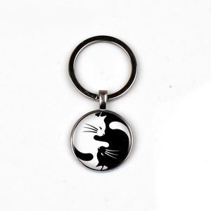 Fashion black white cat crystal glass keychain men women pendant jewelry door keyring dome charm car ring friend favorite gift(China)