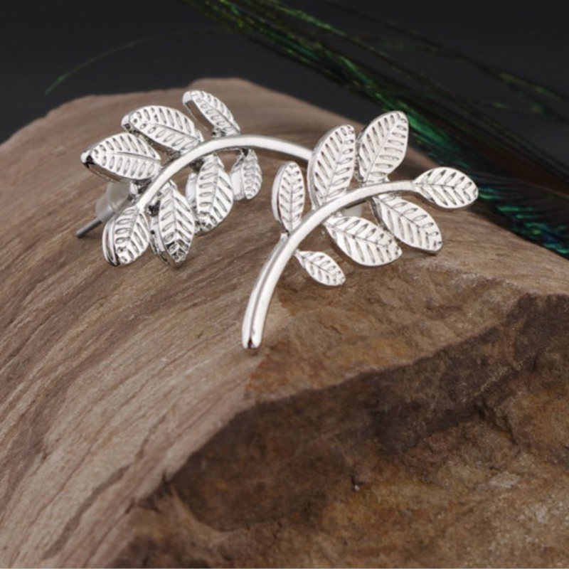 2018 Korean Hot Arrival Plant Acrylic Women Vintage Screw Back Stud Earrings Earrings For Women Oorbellen Silver Earrings