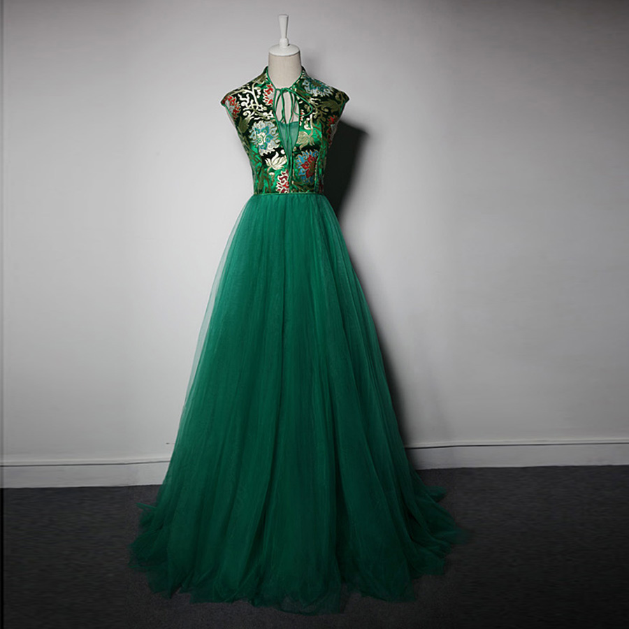 Brautjungfernkleid2017 new tulle embroidery high neck emerald green brautjungfernkleid2017 new tulle embroidery high neck emerald green bridesmaid dress long high quality wedding guest dresses in bridesmaid dresses from ombrellifo Gallery