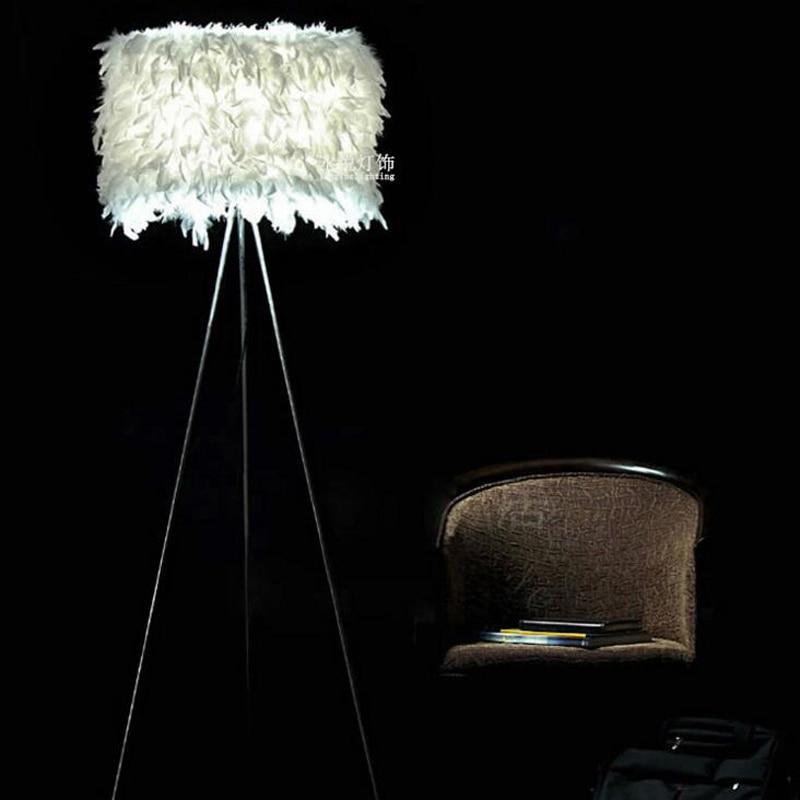 Nordic modern warm living room bedroom feather floor lamp Trigeminal feather floor lamp Creative personality lighting fixture personality feather tassel belt
