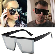 New Oversized Sunglasses Women Big Frame Square Flat Top Rivet Sun Glasses Female Men Vintage Mirror Shades Gradient UV400