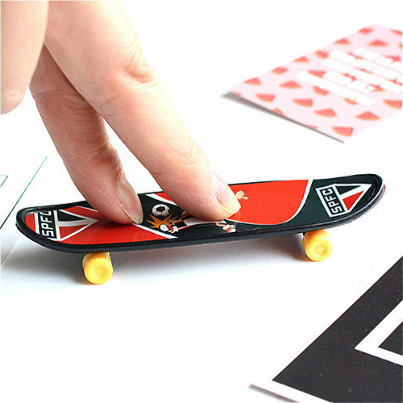 1pcs Wheel Funny Gadget Practical Jokes Squishy Toys for Children Baby Kids Gift Gags & Practical Jokes MINI SKATEBOARD