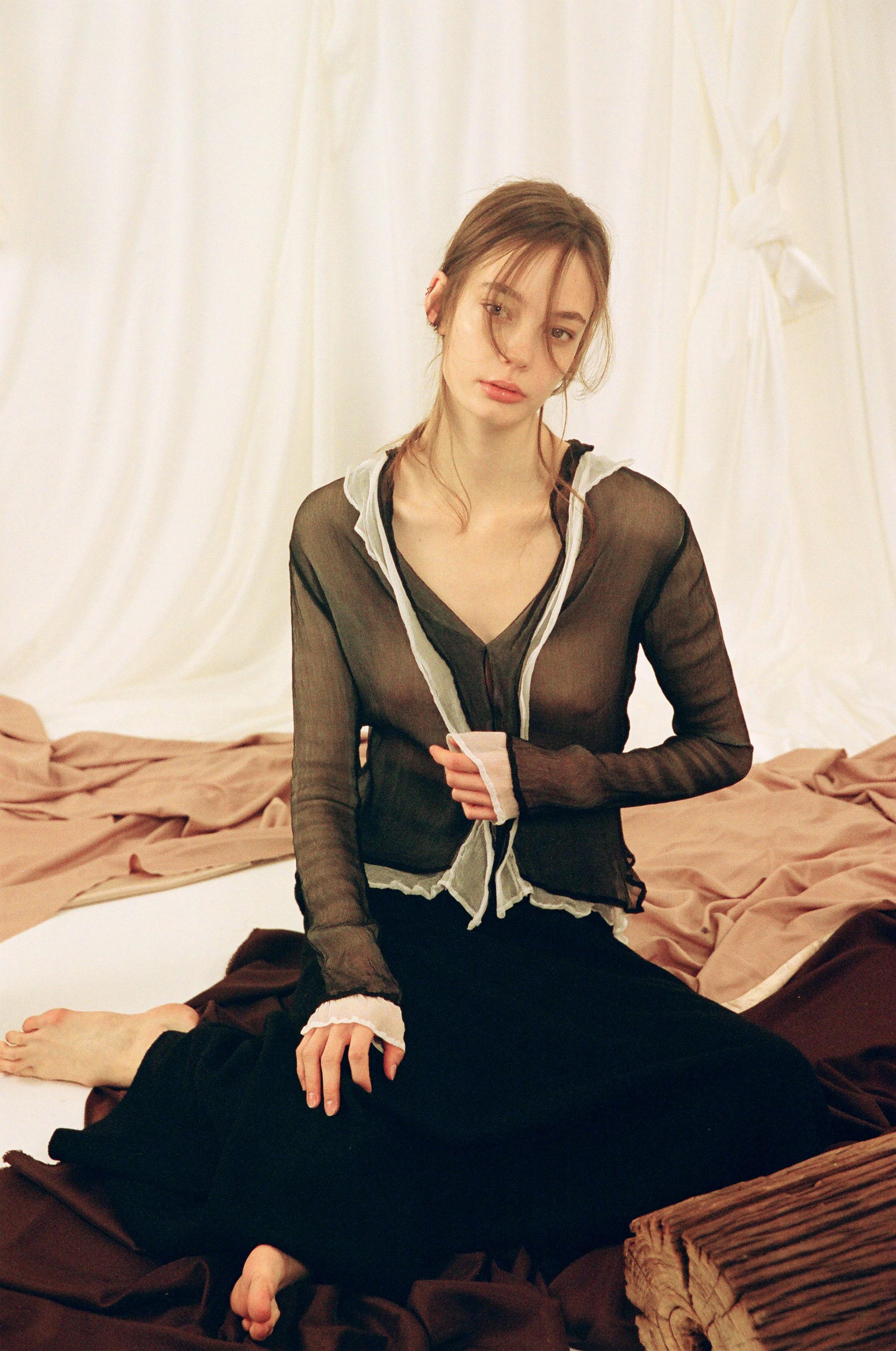 Double petal design silk shirt