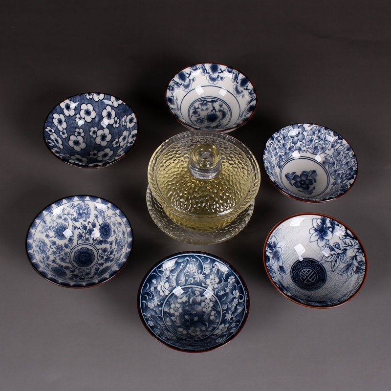 Ensemble de thé Kung Fu en céramique, thé, verre, thé noir, bol, porcelaine bleue et blanche antique, tasse à Puer, verre et thé.