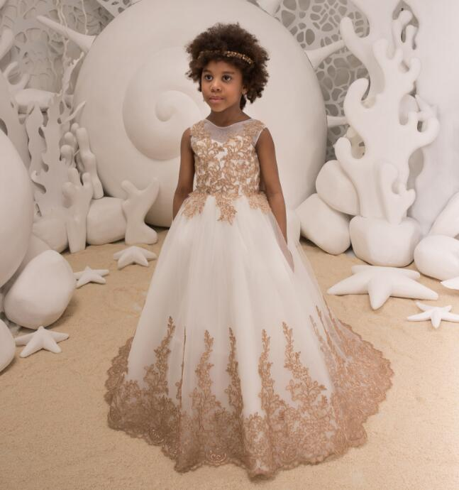 New Champagne First Communion Dresses for Girls O-neck Sleeveless Ball Gown Lace Flower Girl Dresses for Weddings with Bow 2018 purple v neck bow pearls flower lace baby girls dresses for wedding beading sash first communion dress girl prom party gown