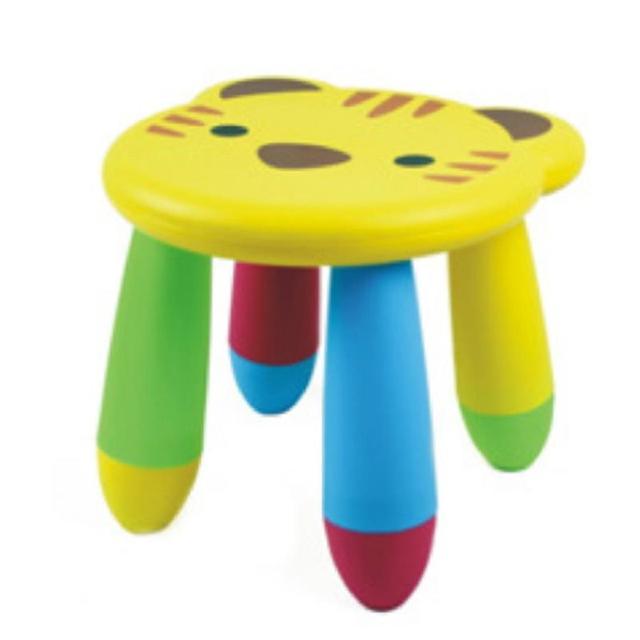Bonito Dos Desenhos Animados Sofá Cadeira de Plástico Para Crianças Crianças Bebê Cores Aleatórias