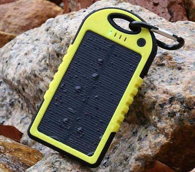 Solar Charger Powerbank 10000mAh Waterproof Drop Resistant Shockproof for iPhones iPads Android Samsung Phones GPS Devices