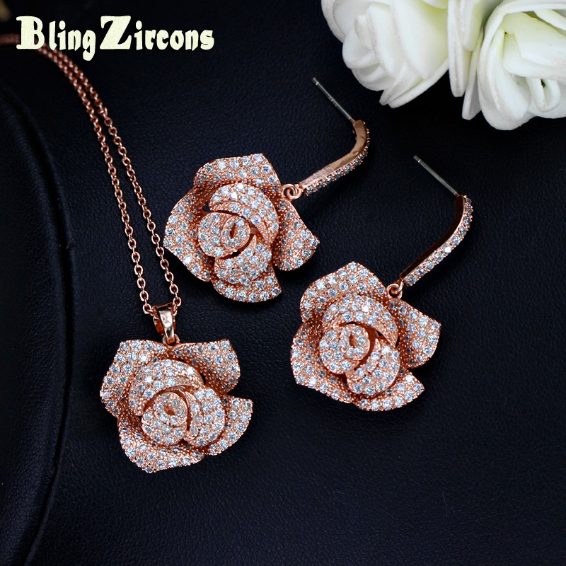 BlingZircons Ρομαντικό Rose χρυσό χρώμα Μεγάλο λουλούδι Drop ... 508e869bbca