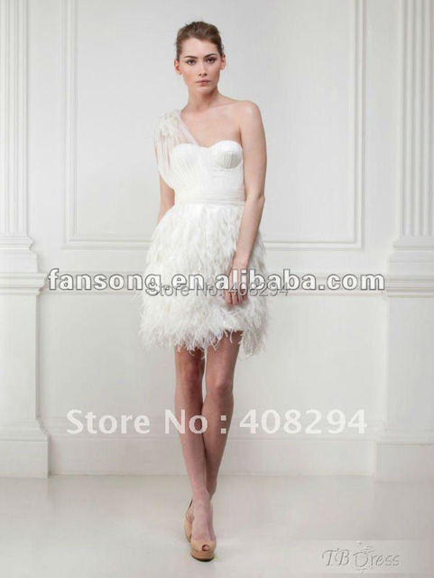 Robe en plume blanche