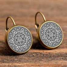 2017 Charm Mandala Glass Earrings On Bronze Earring Om Symbol Buddhism Zen Henna Yoga Earring Jewelry For Women Free Shipping