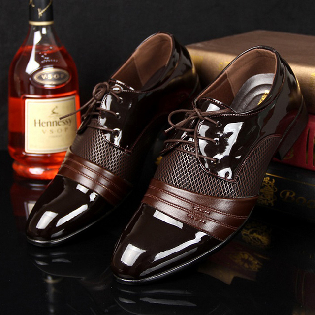 2016 Classical Wedding Flat Shoes Men Dress Luxury Men'S Business Oxfords Casual Shoe Black / Brown Leather Derby Shoes