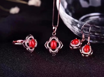 The color is beautiful, the style is novel.Natural Red coral suit, simple and fresh, 925 silver.