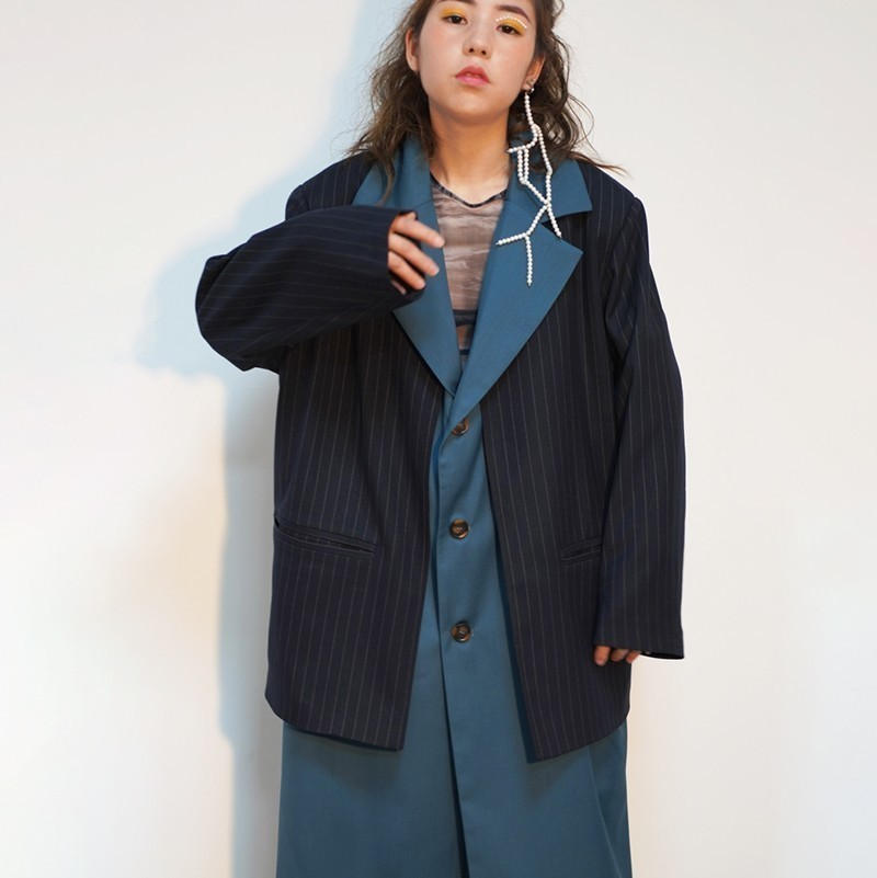 [EAM] 19 New Spring Lapel Long Sleeve Blue Striped Stitch Loose Long Irregular Bandage Windbreaker Women Trench Fashion JO179 4