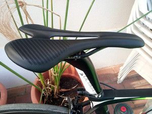 Image 4 - 2019 new Carbon Fiber Road Mtb Saddle Use 3k T700 Carbon Material Pads Super Light Leather Cushions Ride Bicycles Seat