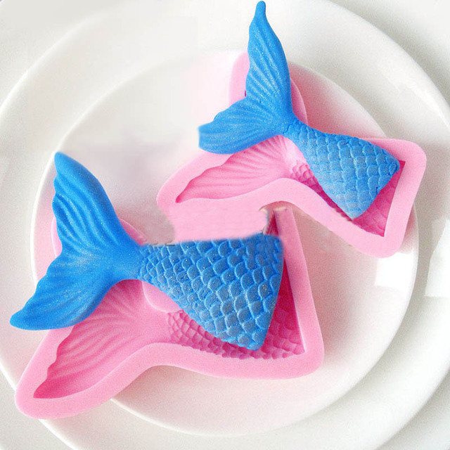 How To Make A Fondant Fish Cake