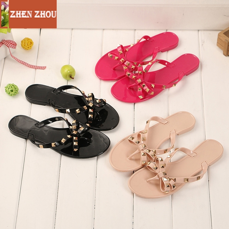 2018 Fashion Women Sandals Flat Jelly Shoes Bow V Flip Flops Stud Beach Shoes Summer Rivets Slippers Thong Sandals Nude