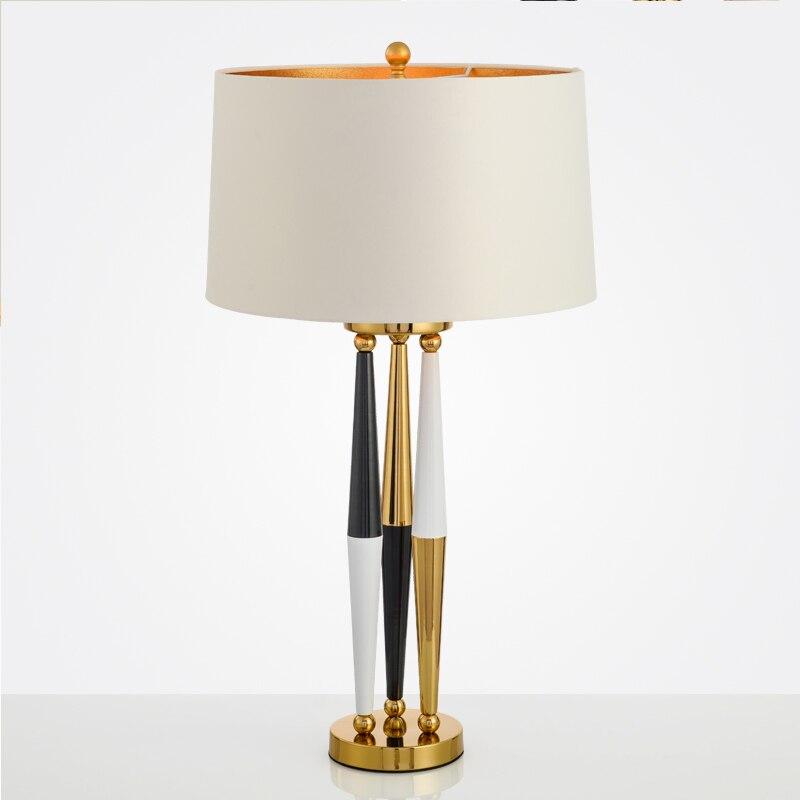 Lampe de table créative blanche trois couleurs bureau lamsp designer noir et blanc clown personnalité lampe de table décorative ZA81151