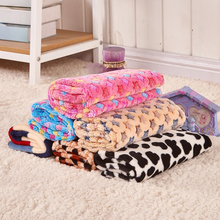 2016 New 3 Size Cute Pet Beds Print Dog Cat Puppy Coral Fleece Warm Super Soft Blanket Beds Mats Cover Pet Products PD149