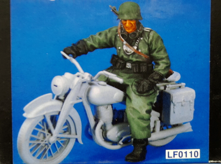 1:35  World War II German Soldier Riding A Motorcycle 2