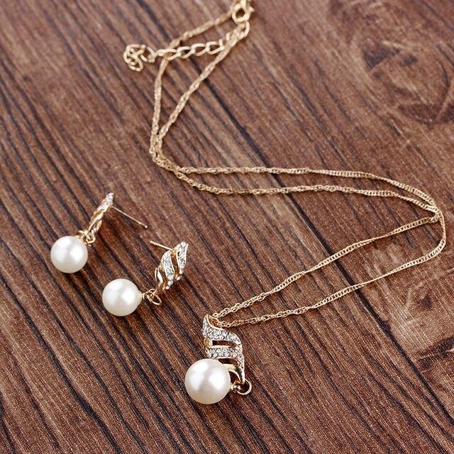 Gold rhinestone Pearls Set 4