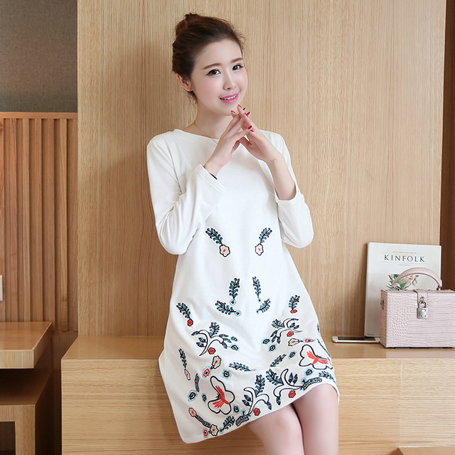 2016 Autumn Chinese style embroidery embroidered retro maternity dress pregnant women large size women