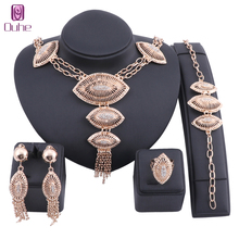 hot deal buy fashion african beads jewelry set exquisite carved dubai gold color crystal necklace jewelry set nigerian wedding bridal bijoux