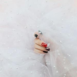 Image 4 - Perle Gaze ins Fotografie Hintergrund Tuch Foto Studio Requisiten Zubehör Hintergrund Dekoration für Kosmetische Nagel öl Telefon Fall