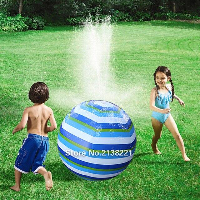 66 cm 26 pulgadas de Voleibol de Playa inflable Rociadores Azul Verde Blanco Colorido de La Raya de Los Niños Al Aire Libre Juguetes de Los Deportes de Agua de La Piscina Juguetes