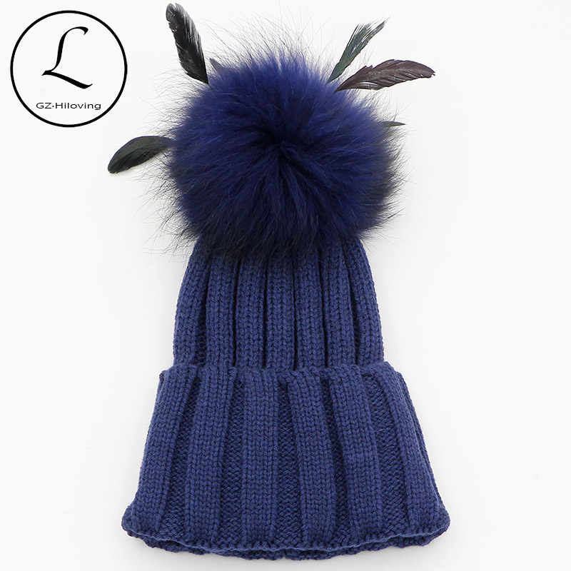 GZHILOVINGL épaissir tricoté chapeaux rayé bonnets casquette 2017 hiver chapeau naturel raton laveur fourrure pompon avec plume amovible chapeau Gorros
