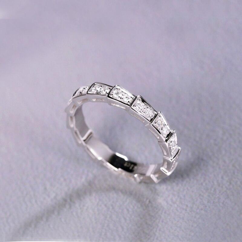 18k Bianco anello di Diamanti In Oro design unico brillante Anello A Forma di Serpente per il delicato monili Di Modo della signora che rappresenta autorità - 3