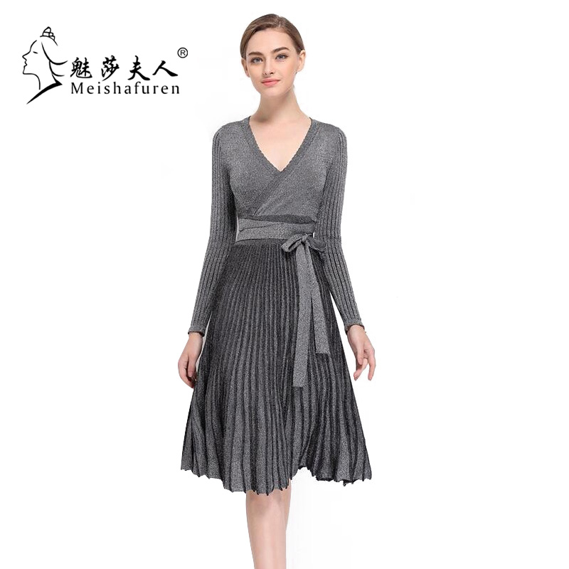 Donna Spring New Women Pleated Dress Long Sleeve Flare Hem Sexy Low-Cut V-Neck High Waist Knitted Dresses With Sashes L220S