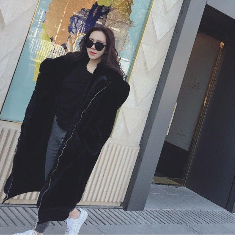 2019 nuevos abrigos de invierno de talla grande de Color sólido Casual chaqueta de piel suelta Abrigo con capucha de piel grande de moda grueso Faux abrigo de piel-in Piel sintética from Ropa de mujer    2