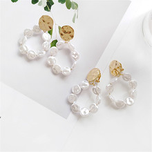 Korea Fashion earrings  pearl Personality Gold and silver colored Geometric round E