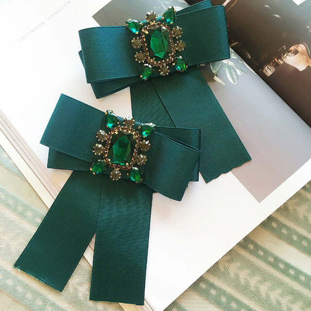 College Style bowtie Wedding Party Polyester Striped bowknot Women Bow Tie  Classic Neck Wear diamond bowties 5c869eb01f42