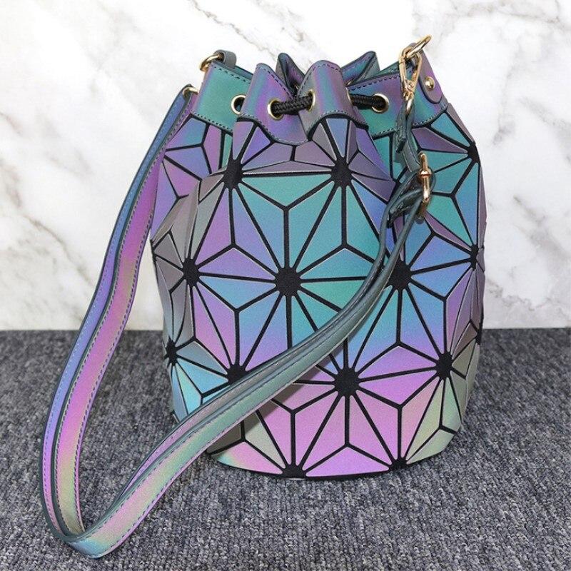 Livraison directe femmes sac géométrie Saser plaine pliage tirant corde seau sacs lumineux dames décontracté fourre-tout sac à bandoulière Bolsas
