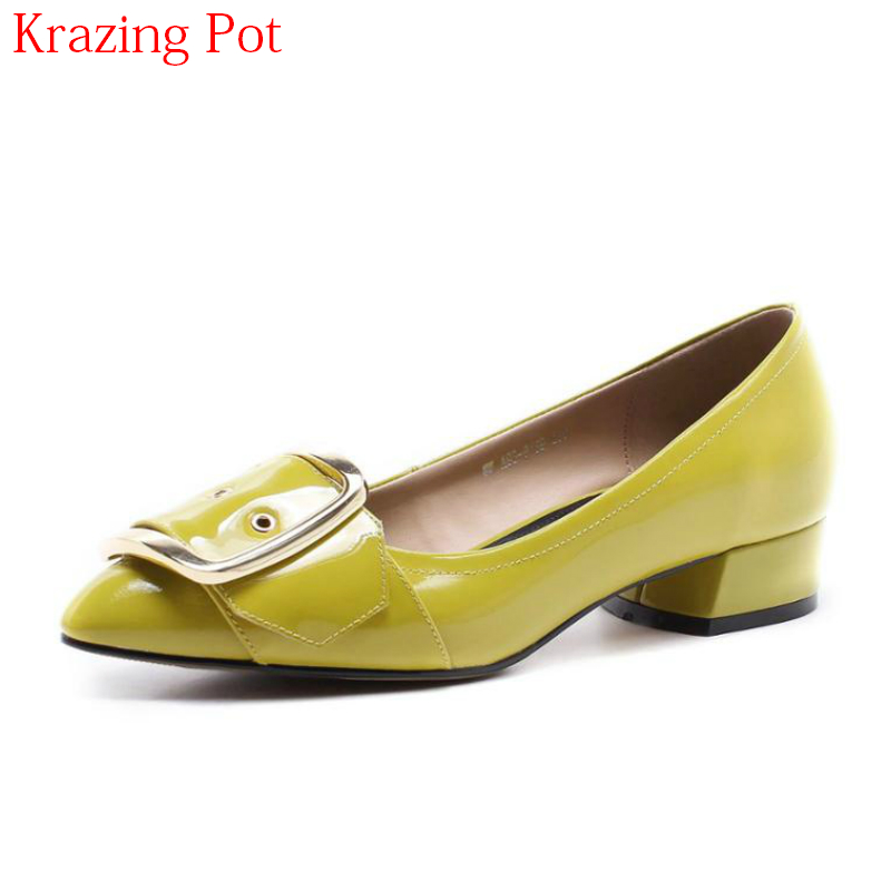 купить 2018 Genuine Leather Brand Spring Shoes Women Office Lady Pointed Toe Thick Heel Slip on Elegant Yellow Shallow Women Pumps L09 по цене 3836.79 рублей