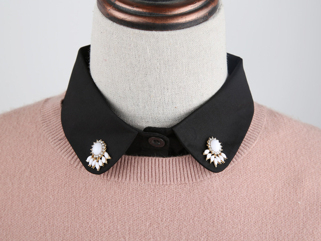 White Black collar necklace with ribbon pointed shape detachable removeable accessories for women two-sided peter pan classic minimal elegan