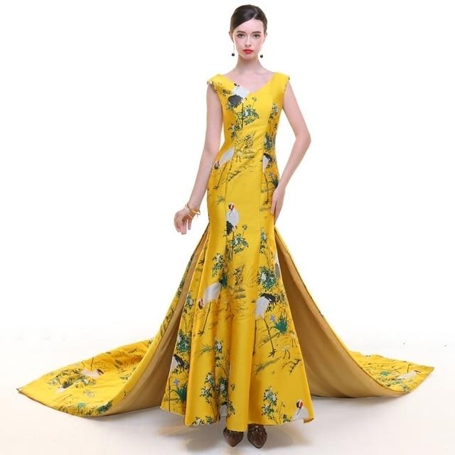 Желтый Формальные Китайский вечернее платье Классический женское платье  жаккард Qipao длинные традиционный Cheongsam Неделя моды показать f9fc30c8f133a