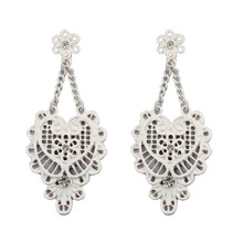 The new design of the hollow lace retro fashion jewelry painting selling ladies earrings Europe