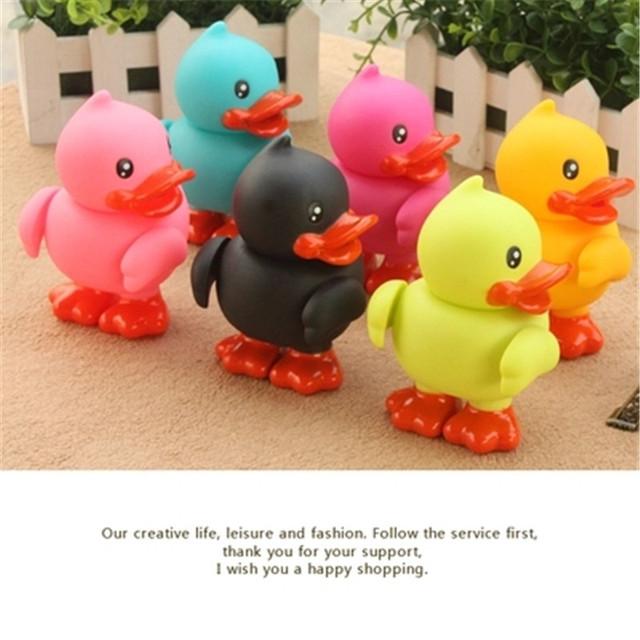 1 PCS Animais Coloridos de Borracha dura Movable mãos e pés Brinquedos Clássicos Brinquedos de Banho Pato De Borracha Brinquedos de Banho de Natação de Plástico Presentes