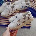 2017 primavera outono novas crianças sapatilhas estrelas padrão bebés meninos sports shoes for kids glitter de couro meninas reais branco shoes